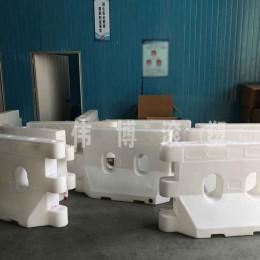 珠三角滚塑代加工厂家惠州伟博专业代加工水马 塑胶灯饰