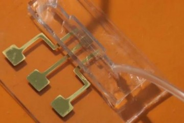3D打印的COVID-19测试平台,可以在几秒钟内检测到病毒抗体